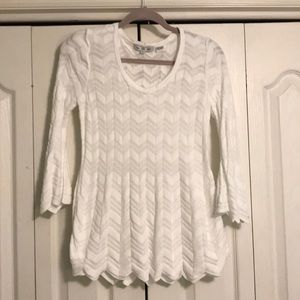 Small Chevron pattern sweater.
